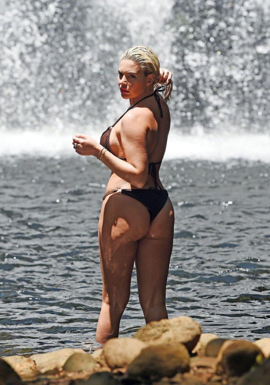 Megan Barton Hanson Sexy (17 Photos)
