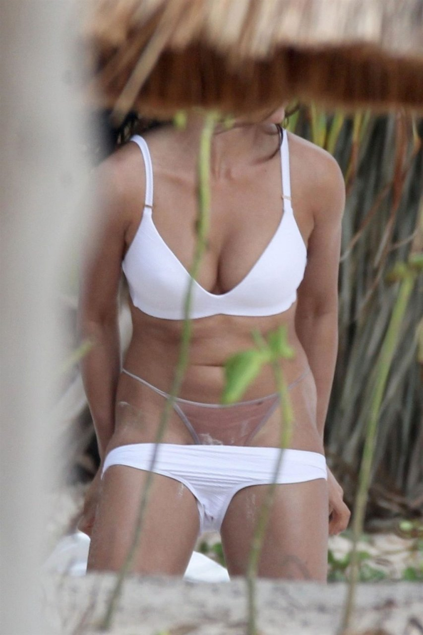 Monika Clarke Sexy & Topless (17 Photos)