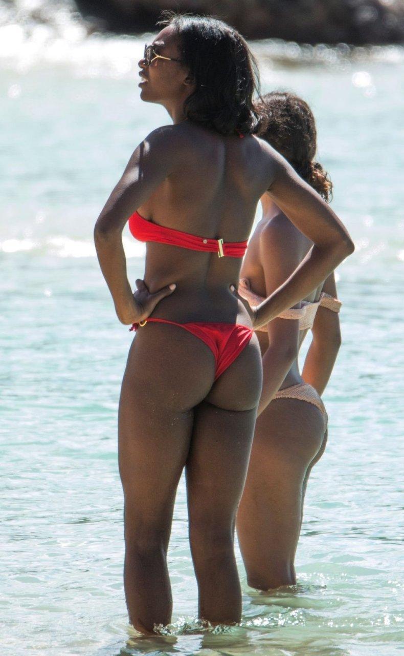 Mouna Traore Sexy (28 Photos)