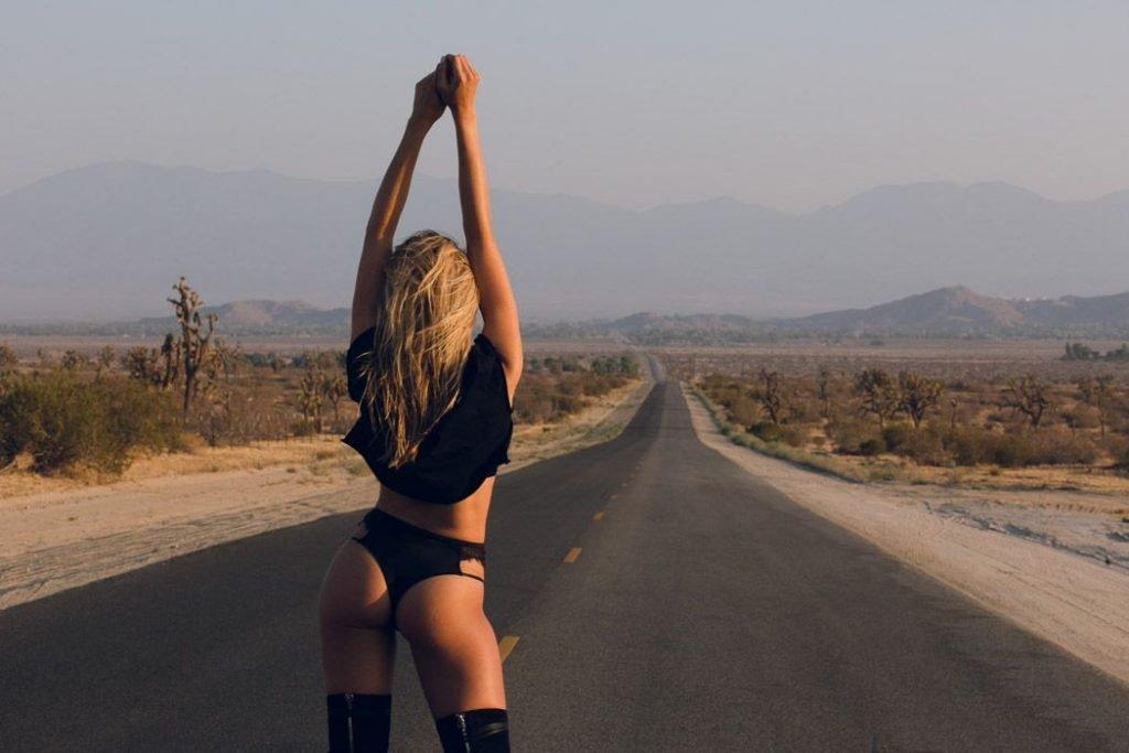 Natalie Jayne Roser Sexy (18 Photos)