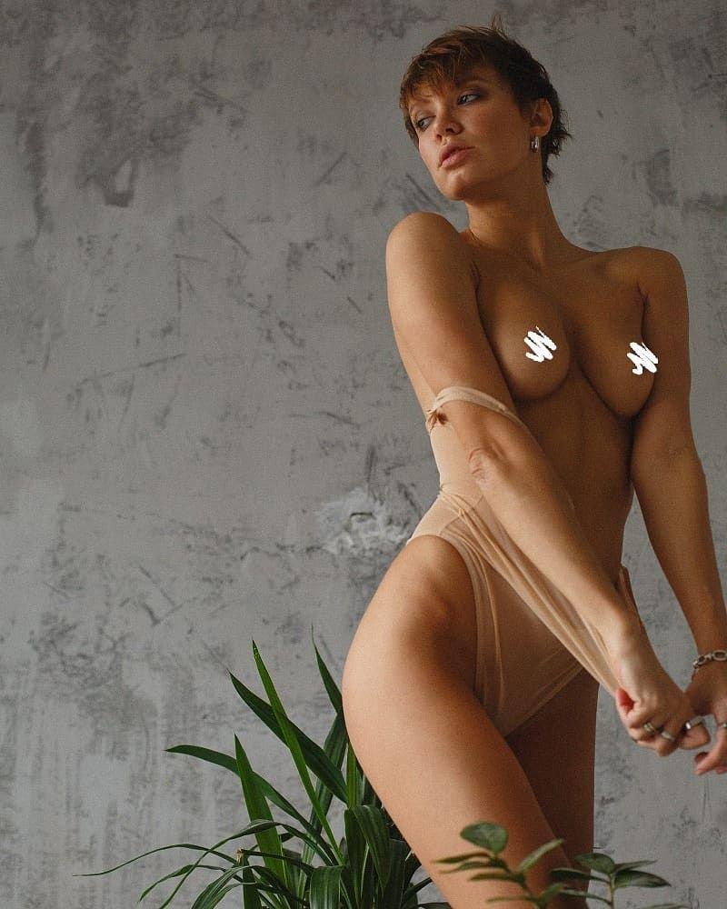 Oksana roberts naked pic 447