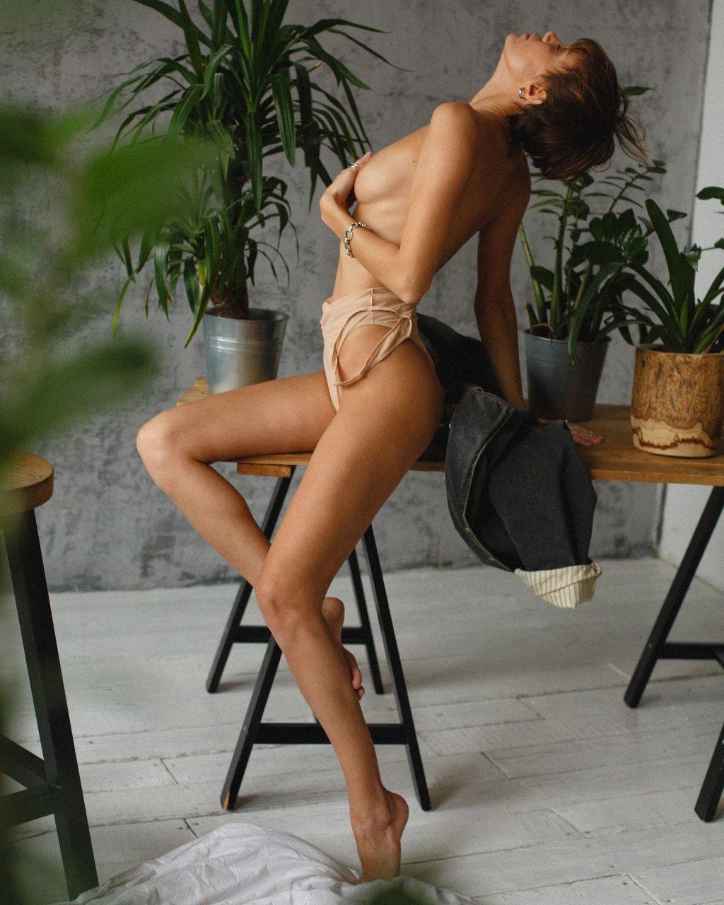 Hot naked girls machine fuck