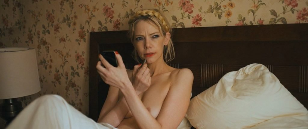 Riki Lindhome Nude – Under the Silver Lake (12 Pics + GIFs & Video)