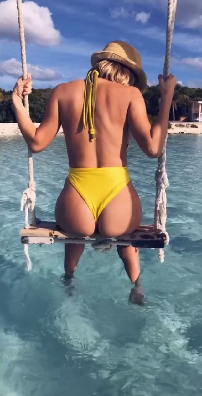 Sara Underwood Nude & Sexy (39 Pics + GIFs & Video)