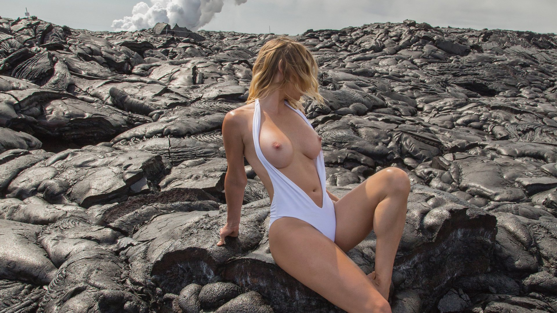 Sara underwood topless