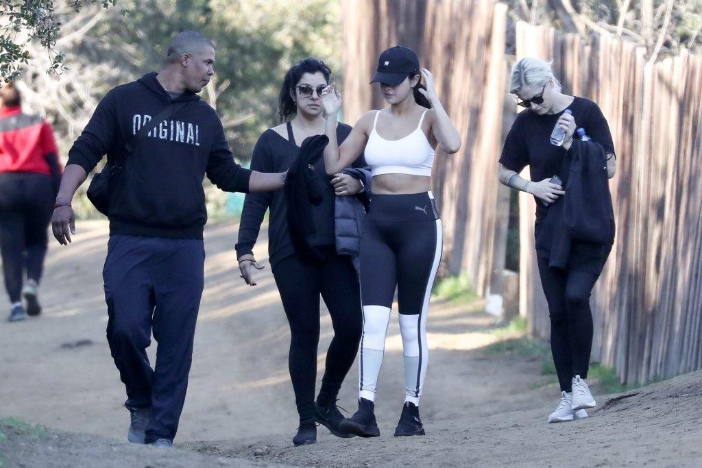 Selena Gomez Sexy (23 New Photos)
