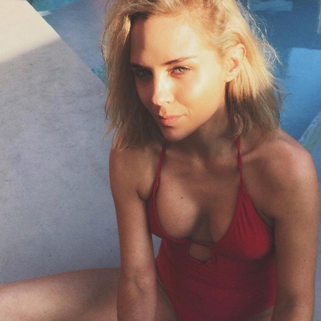 from Otto tanya van graan nude in magazine