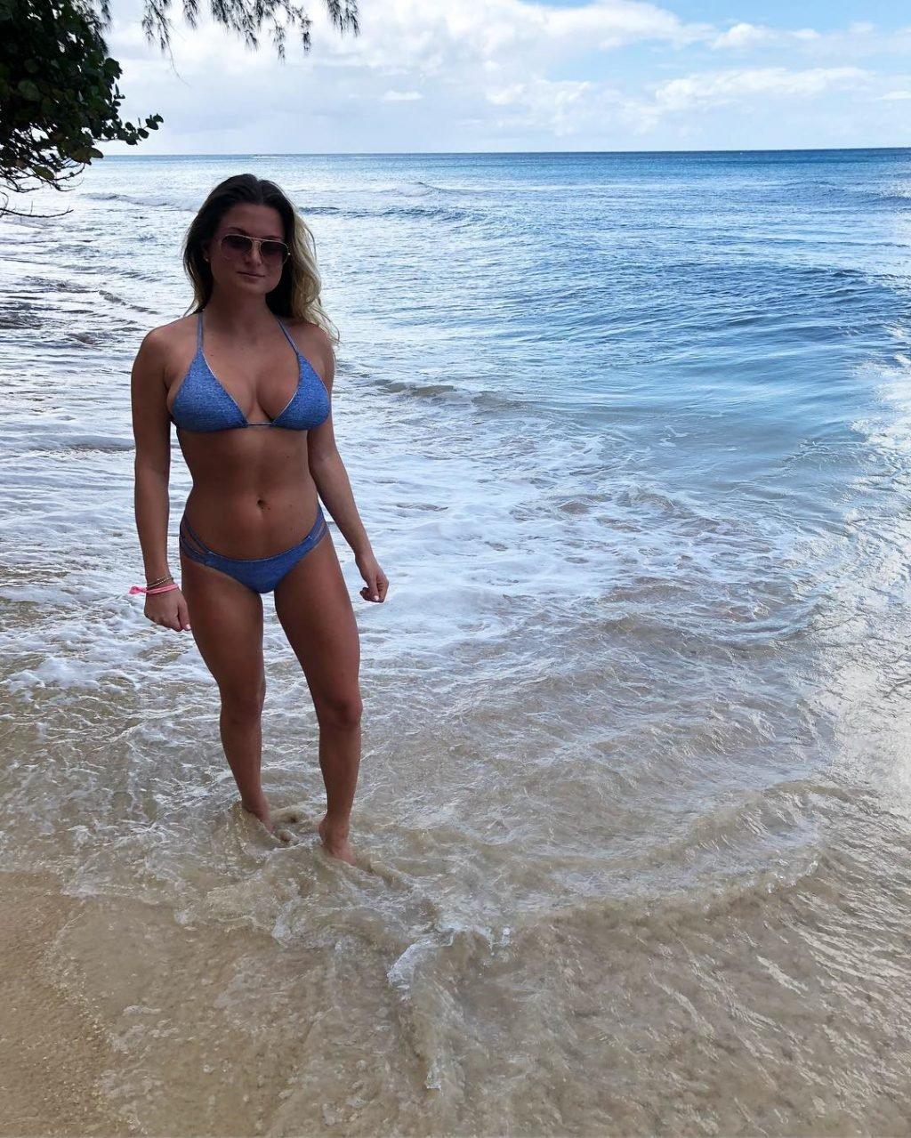 Zara Holland Sexy (40 Photos)