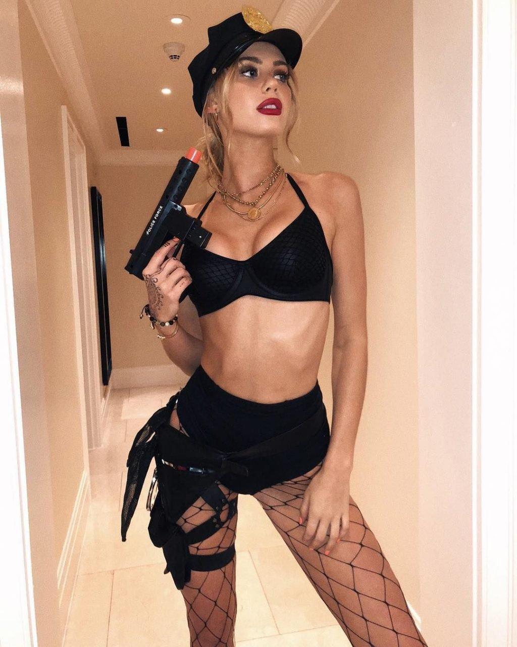Amber Davis Sexy & Topless (25 Photos)