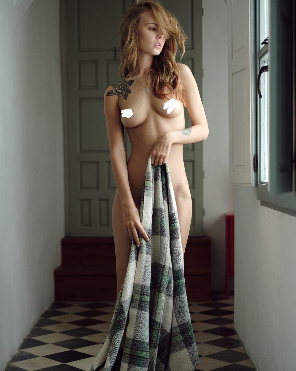 Anastasiya Scheglova Nude & Sexy (11 Hot Photos)