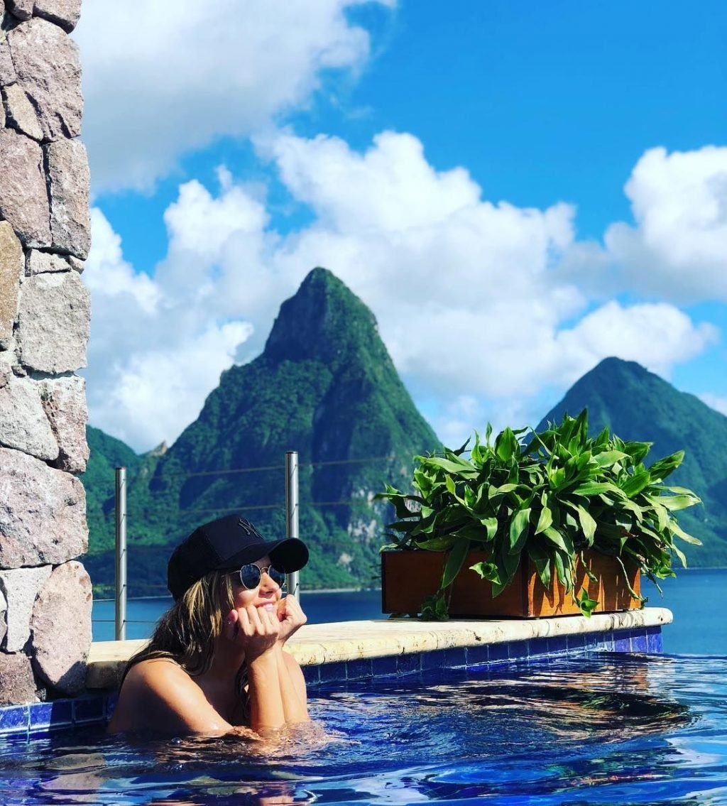 Caroline Flack Sexy & Topless (42 Photos)