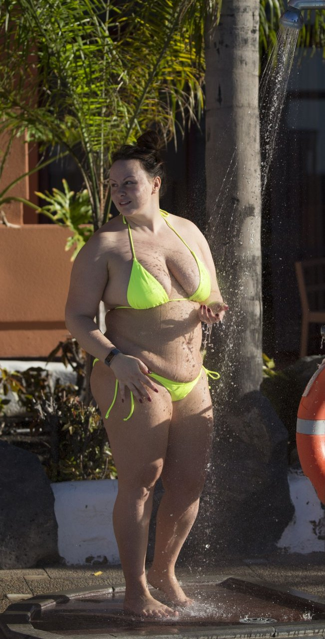 Chanelle Hayes Sexy (59 Photos)