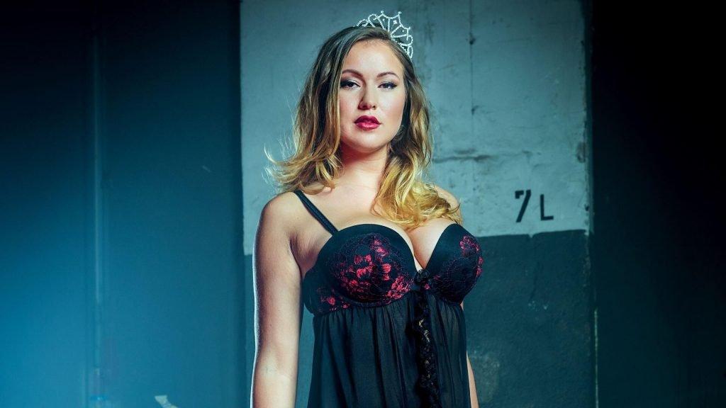Chethrin Schulze Nude & Sexy (33 Photos)