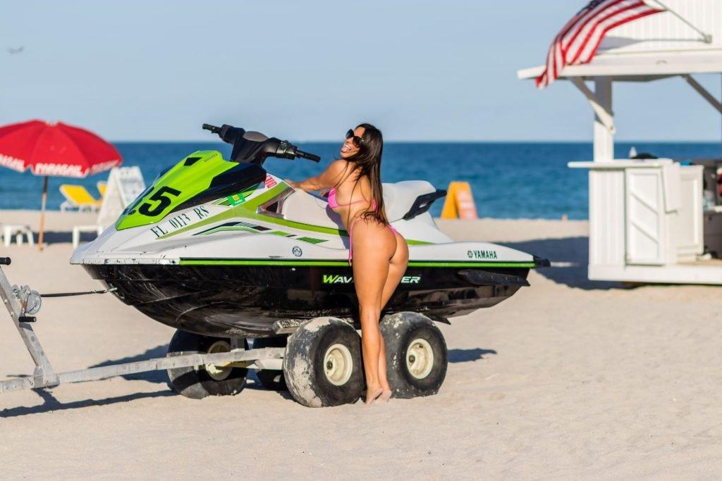 Claudia Romani Hot (14 Sexy Photos)