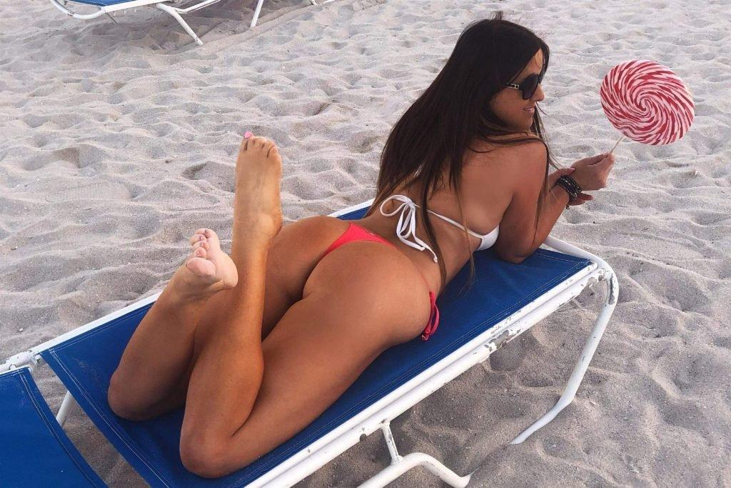 Claudia Romani Hot (10 Sexy Photos)