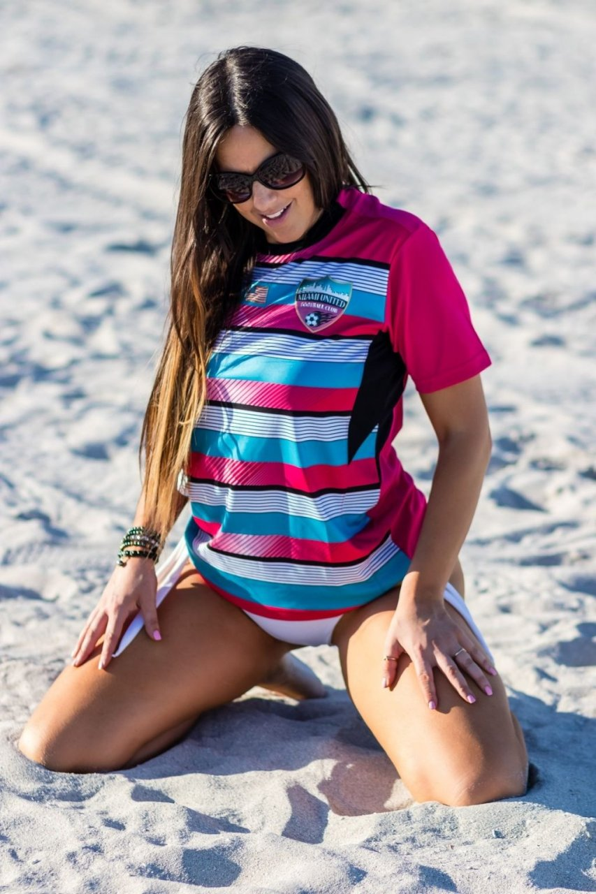 Claudia Romani Sexy (25 Hot Photos)