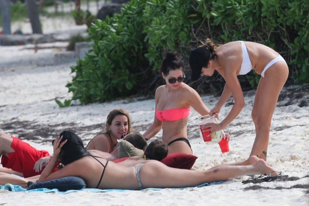 Danielle Lombard & Jessica Cribbon (48 Photos)