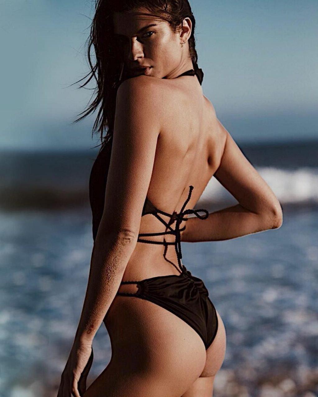 Destiny DeLisio Sexy & Topless (84 Photos)