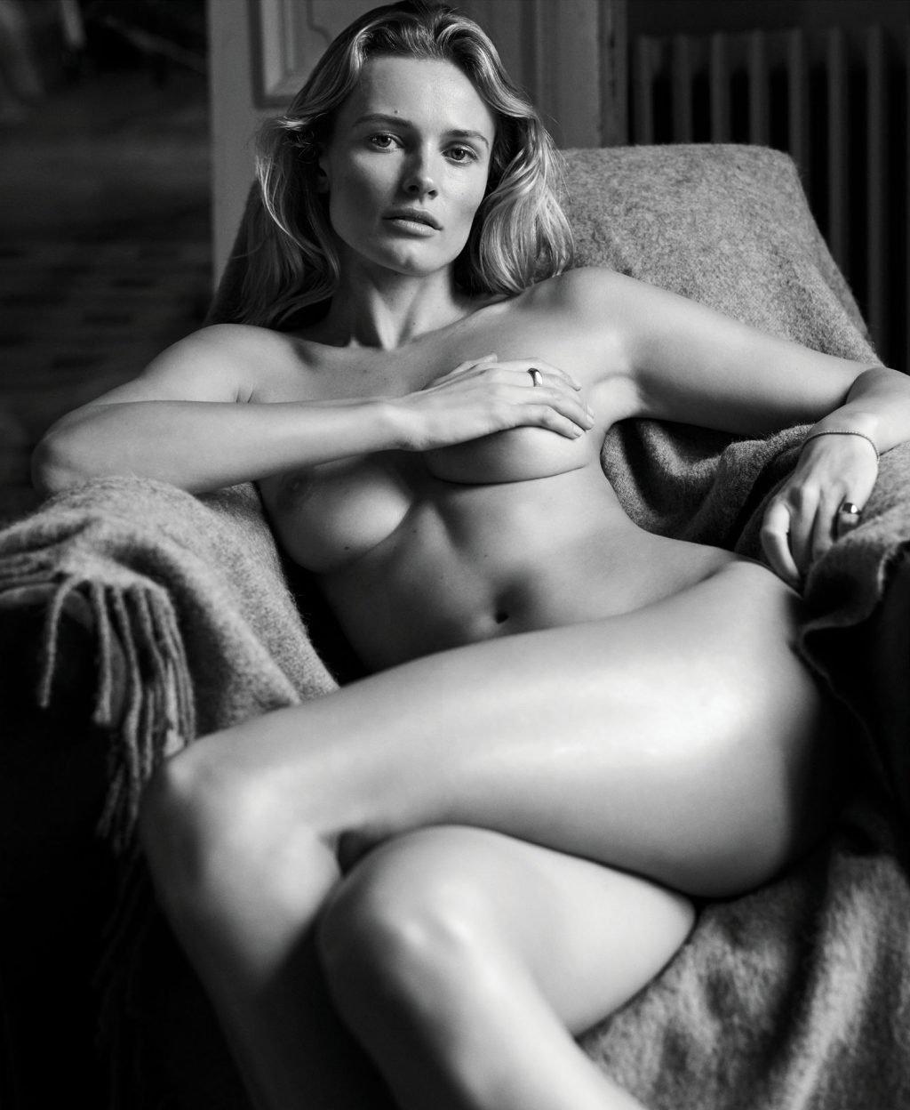 Edita Vilkeviciute Nude & Sexy (3 Photos)