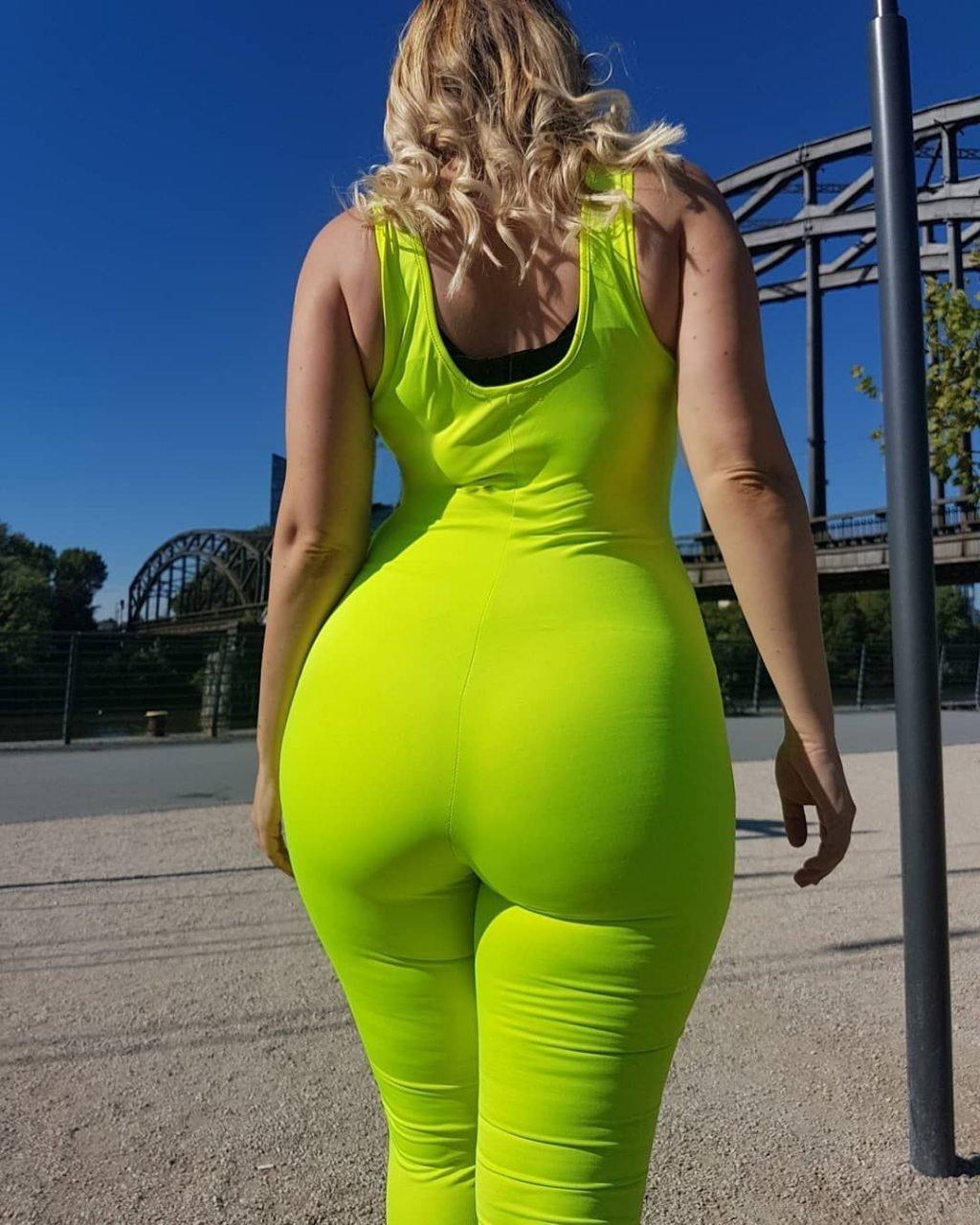 Finya Hohner Sexy (11 Photos)