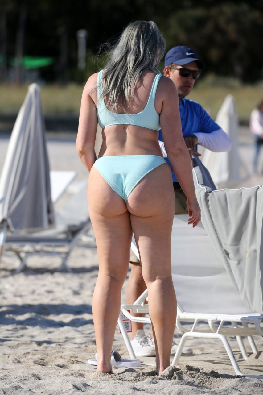 Iskra Lawrence Sexy (27 Hot Photos)