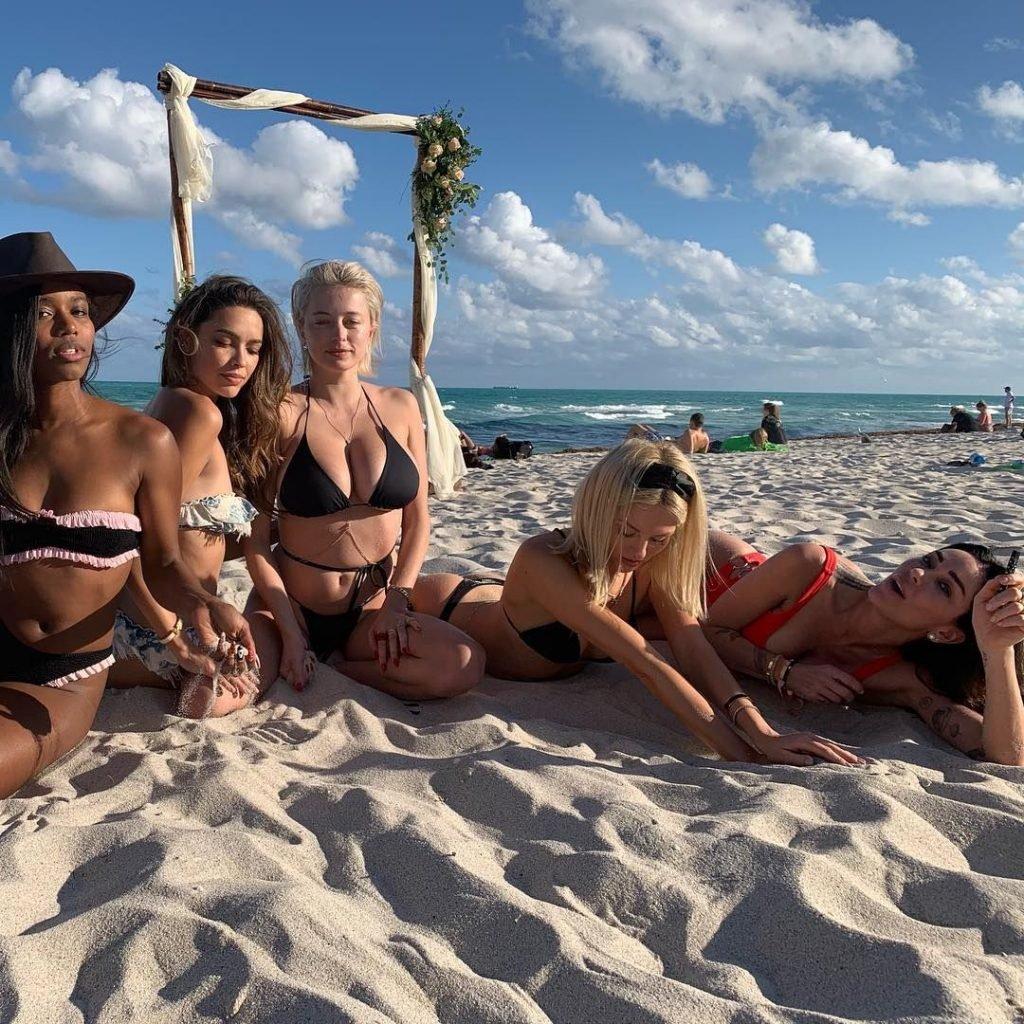 Jasmine Waltz, Caroline Vreeland, Shea Marie Sexy (90 Photos + GIFs)