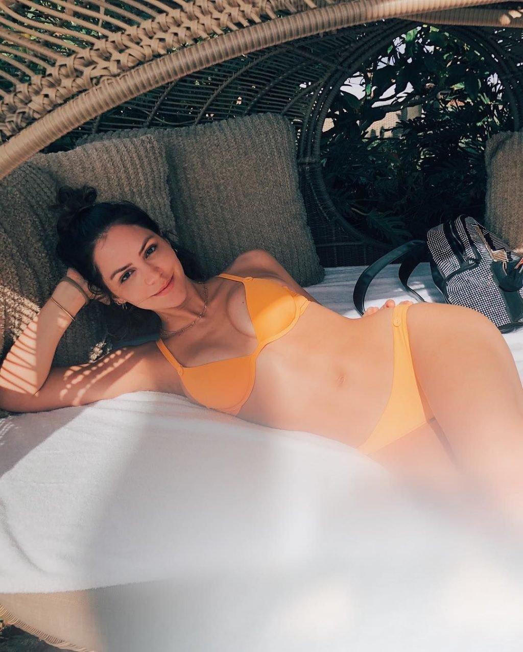 Katharine McPhee Sexy (13 Photos)