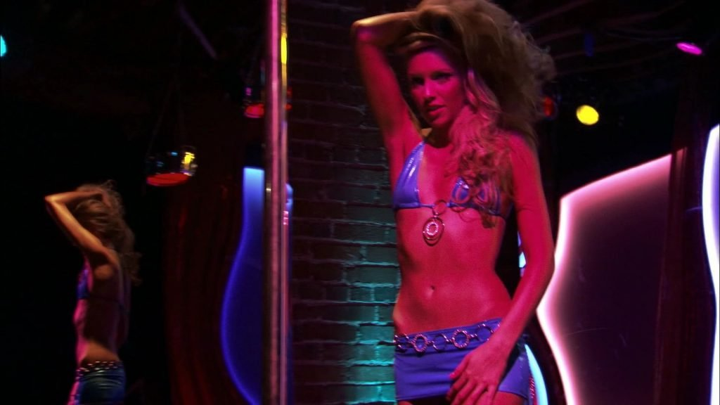 Katie Cassidy Nude – Live! (5 Pics + GIF & Video)