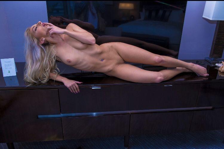 Kayla Kurnik Naked (21 Photos)