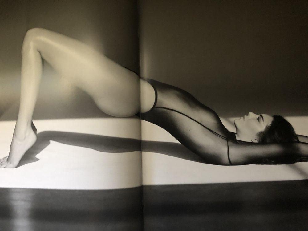 Kendall Jenner Nude (4 Photos)