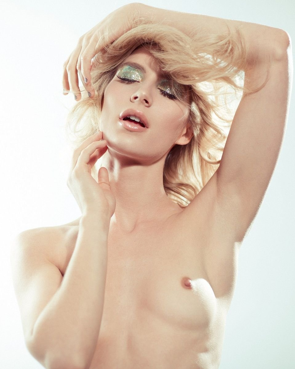 Lauren Bonner Nude (7 Photos)