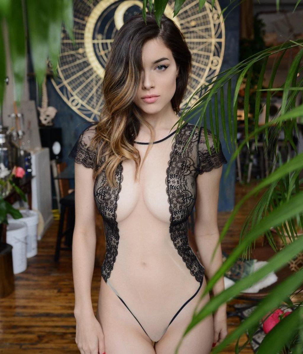 Lauren Summer Nude & Sexy (18 Photos)