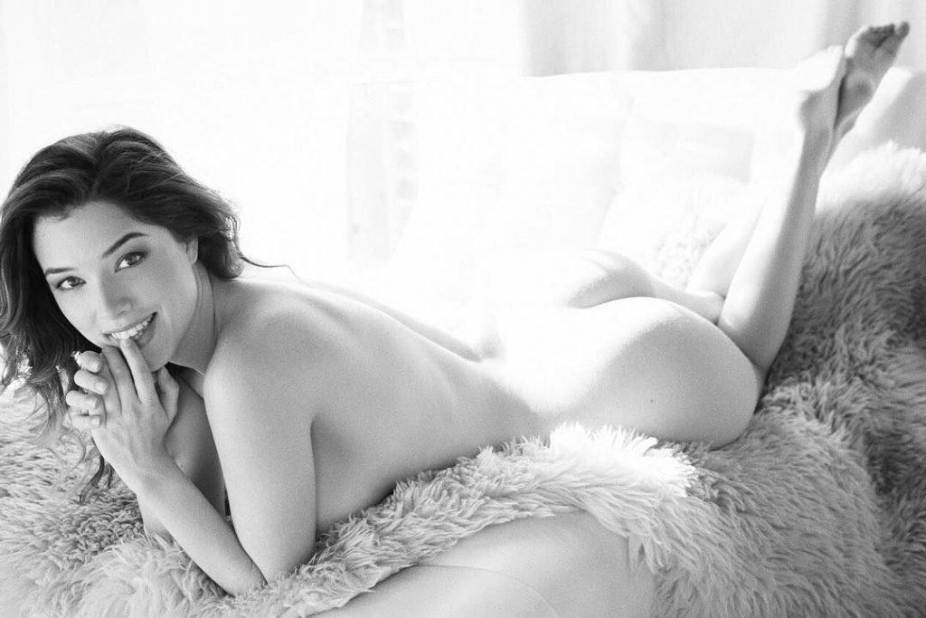 Lauren Summer Nude & Sexy (25 Photos)