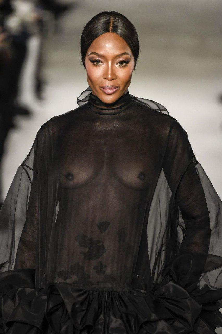 Naomi Campbell See Through (28 Photos + GIF & Videos)