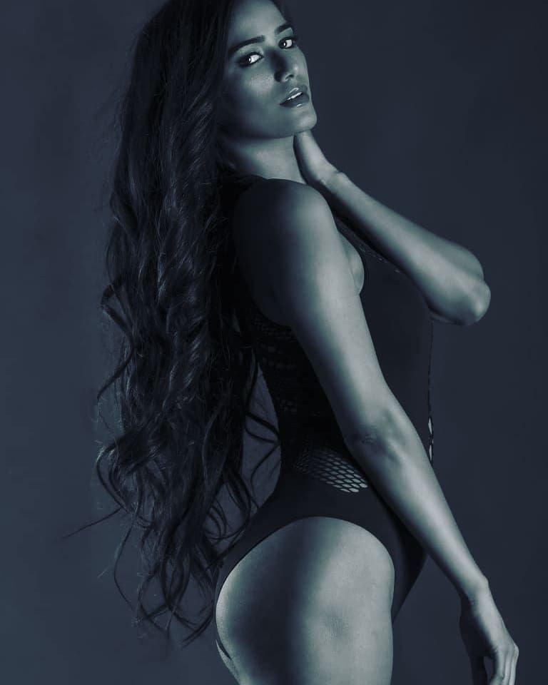 Poonam Pandey Sexy & Topless (46 Photos)
