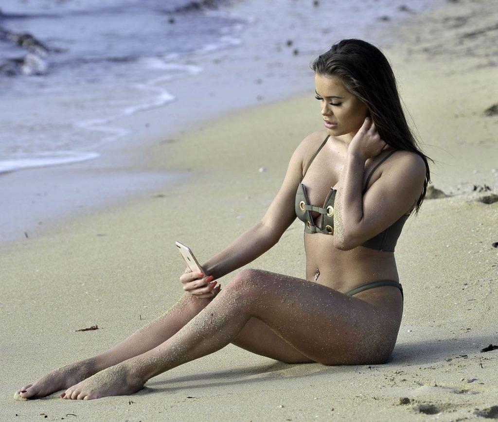 Rhianne Saxby Hot (47 Photos)