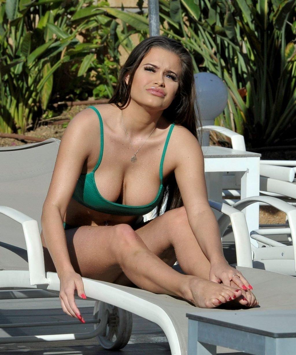 Rhianne Saxby Sexy (38 Photos)