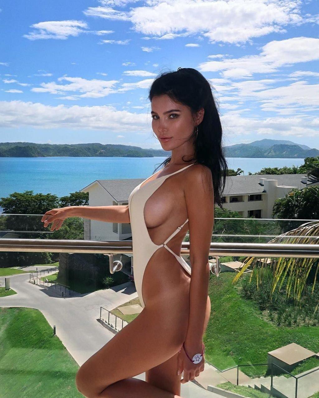 Sveta Bilyalova Nude & Sexy (18 Photos)