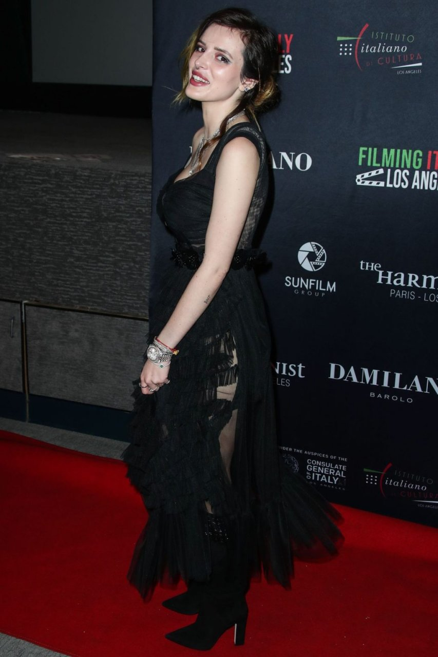 Bella Thorne Sexy (48 Photos)