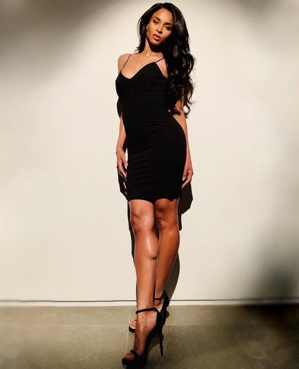Ciara Sexy (3 Photos)