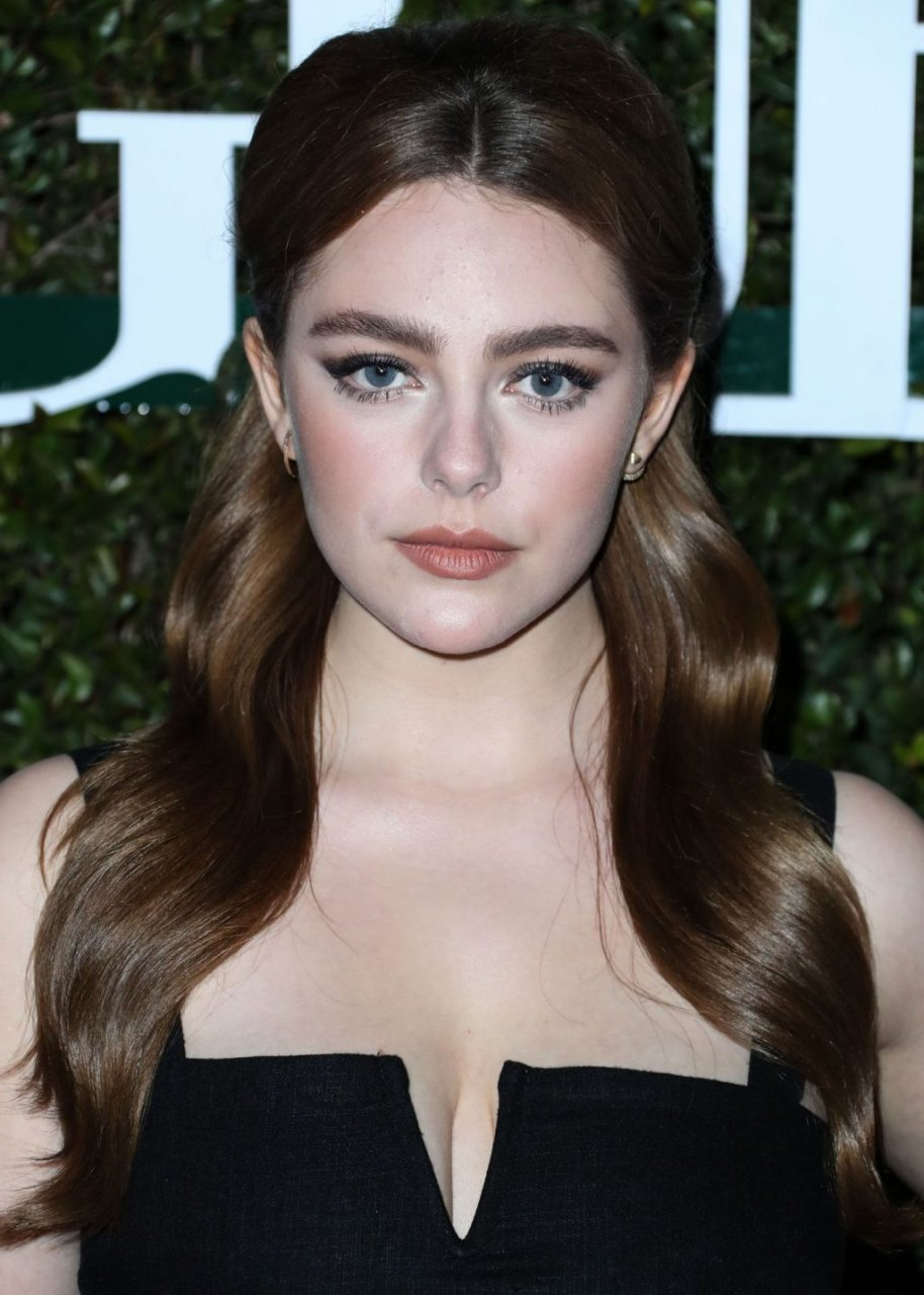 Danielle Rose Russell Sexy (6 Photos)