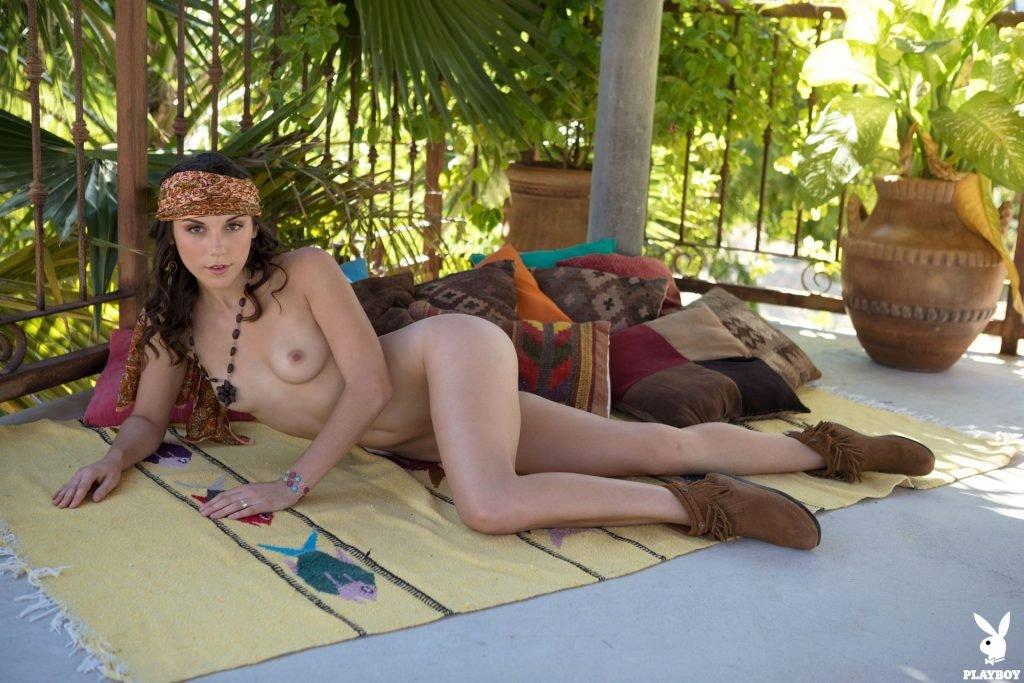 Elena Generi Nude (42 Photos + Video)