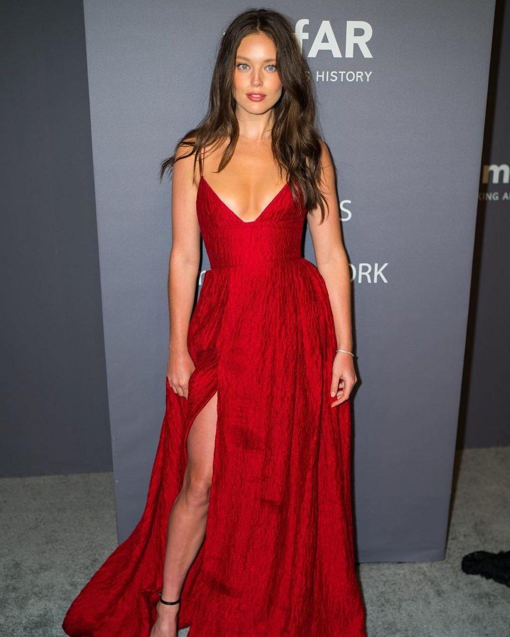 Emily DiDonato Sexy (15 Photos)