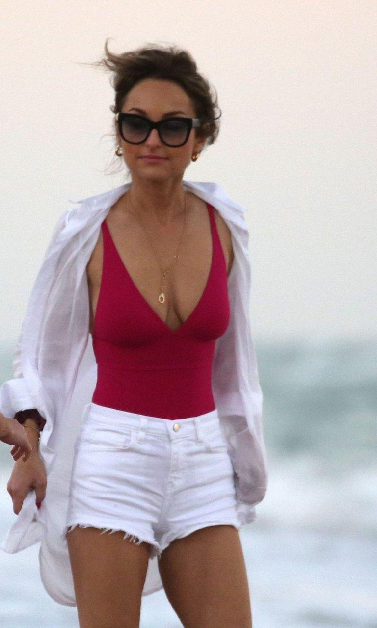 Giada De Laurentiis Sexy (17 Photos)