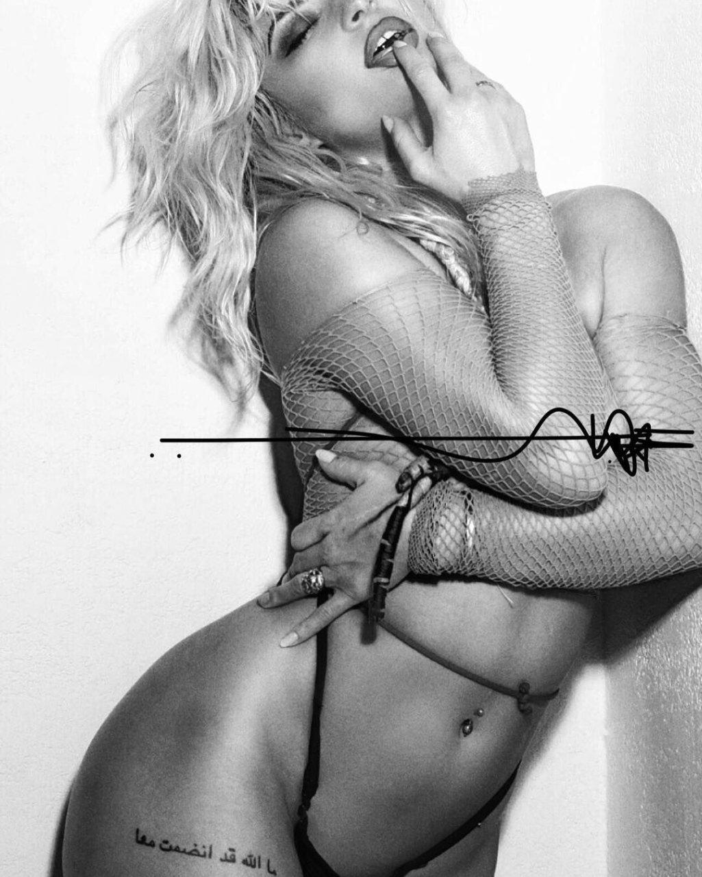 Natalie nackt Paweleck FHM model