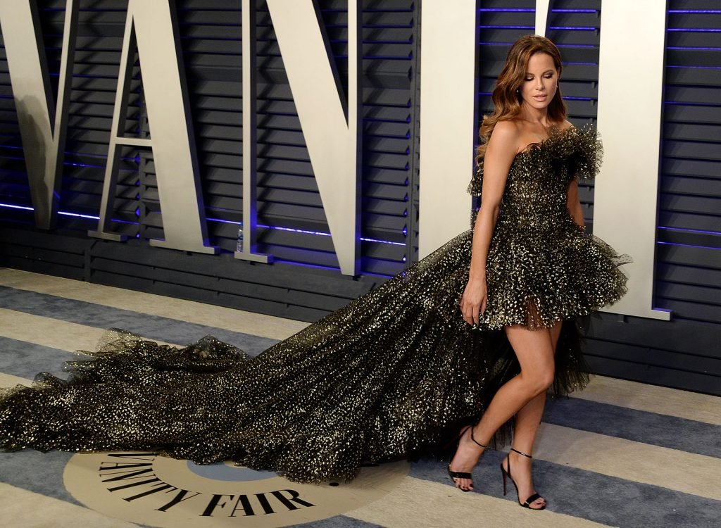 Kate Beckinsale Hot (12 Photos)