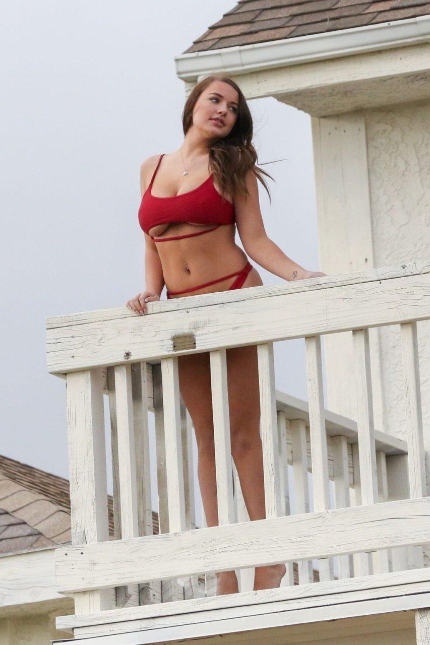 Kendra Rowe Sexy (32 Photos)