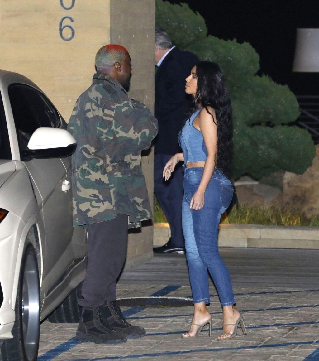 Kim Kardashian Sexy (81 Photos)
