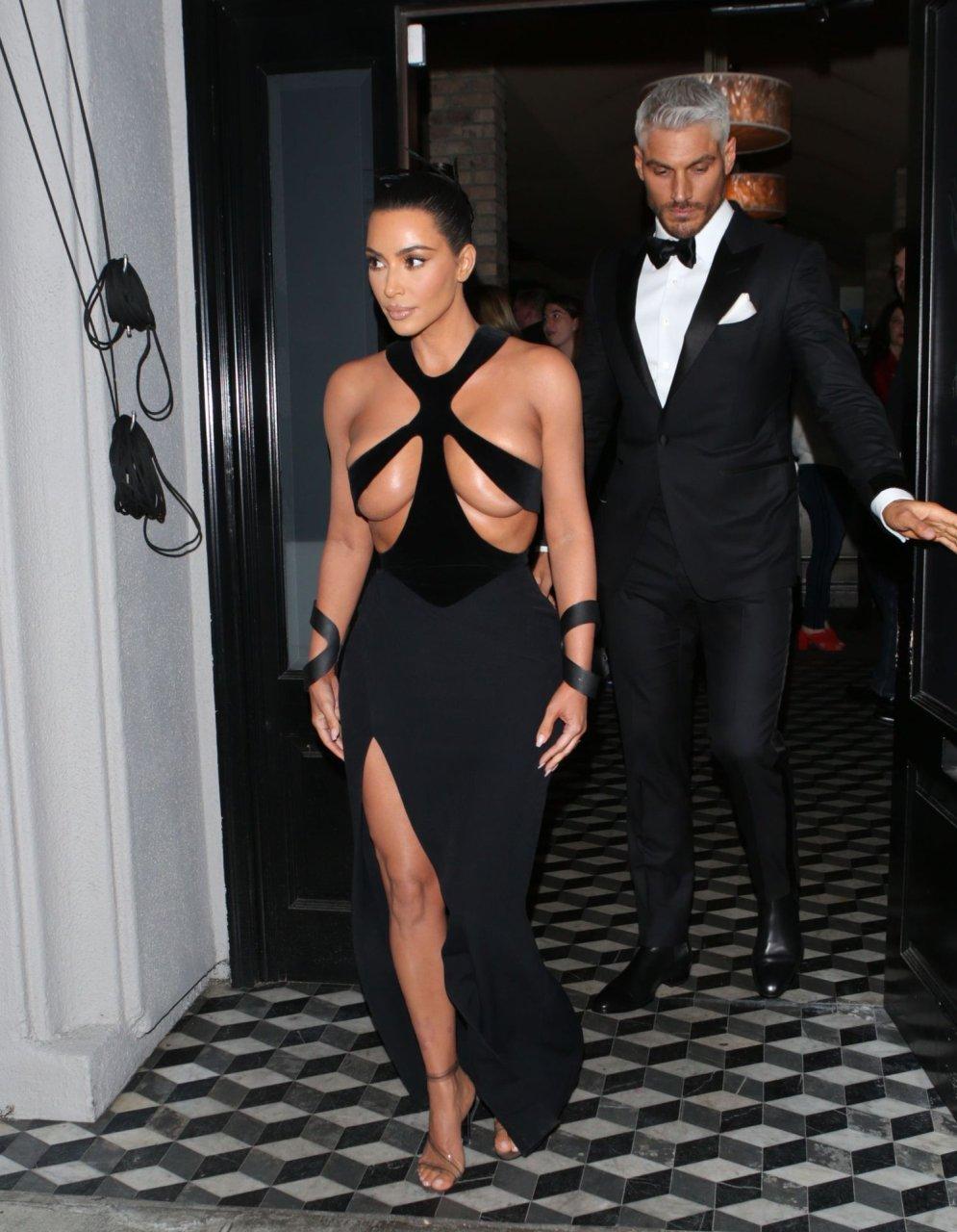 Kim-Kardashian-Topless-TheFappeningBlog.com-5.jpg