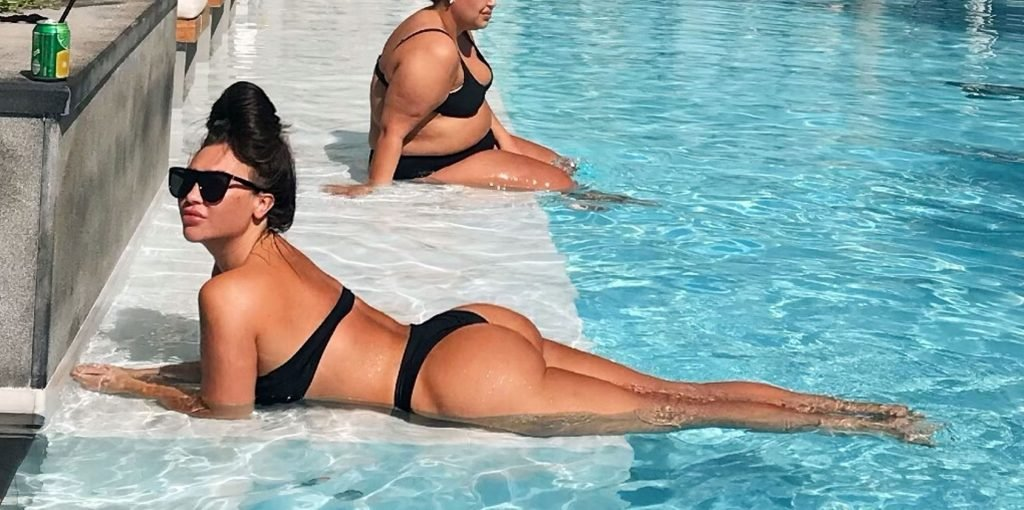Lauren Goodger Sexy (39 Photos)